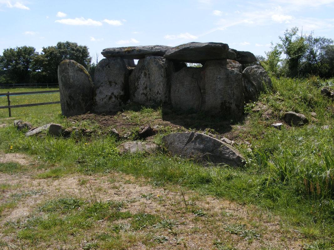 dolmen de fessine (c) lydie tessier (5)